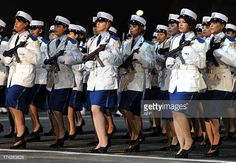 female-members-of-the-algerian-police-forces-parade-during-a-ceremony-picture-id174263828 (612×424)
