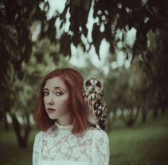 nhiếp ảnh gia người Ukraine này mang đến những câu chuyện cuộc sống với chân dung huyền diệu của phụ nữ với động vật 04