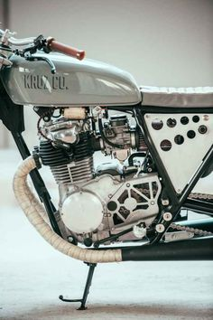 This Custom Yamaha XS 400 Is Extremely Lust-Worthy - Airows