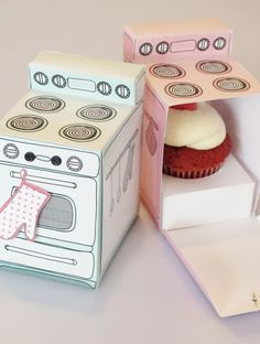 An easy to make retro oven cupcake box with removable cupcake tray that Claudine Hellmuth sells as a printable in her Etsy shop. The box also can be used as a gift box, party centerpiece, favor box, paper toy, or just as fun decoration for your home. Retro Oven, Diy And Crafts, Arts And Crafts, Cupcake Boxes, Cupcake Holders, Cupcake Gift, Cupcake Flags, Cupcake Container, Paper Cupcake