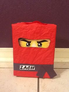 Ninjago Valentines, Diy Valentines Cards, Valentine Day Boxes, Valentines For Boys, Homemade Valentines, Valentine Wreath, Valentines Day Party, Valentine Crafts, Happy Hearts Day