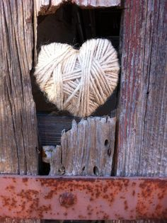 Petite pelote de laine... Heart In Nature, All Heart, Heart Art, Heart Pictures, Heart Images, Twine Crafts, Heart Songs, Love Days, Love Is All