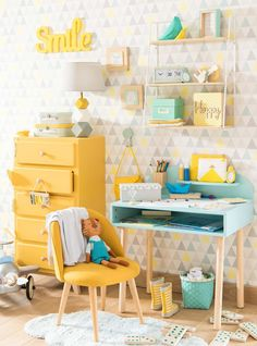 Mint and yellow room decor is so pretty! Photo by Cool Kids Bedrooms, Girls Bedroom, Childrens Bedrooms Girls, Childrens Desk, Baby Bedroom, Yellow Kids Rooms, Grey Kids Rooms, Baby Rooms, Deco Kids