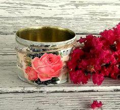 Salvaged shabby tin Green rose Wedding table van 0namesleft op Etsy, $12.00