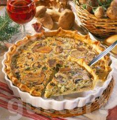 Erdeigomba- torta: TÉSZTA: 250 g finomliszt, 125 g vaj + diónyi a forma kikenéséhez, 1 kk tejföl, 1 kk só, 1 tojássárgája. TÖLTELÉK és ÖNTET: 400 g erdei/vargánya és barna sampinyon gomba vegyesen, 1 közepes fej hagyma, 2-4 gerezd fokhagyma, 1 karcsú szál póréhagyma, 2 ek vaj, só, bors, 1,5 dl habtejszín, 3 tojás, 1/2 kk provence-i fűszerkeverék, 50 g érett gouda sajt vagy egyéb karakteres sajt, 6-8 szál petrezselyem, 1/2 tojásfehérje.
