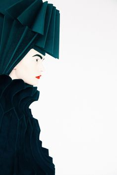 Fashion photographer Erik Madigan Heck shot a striking editorial for Junya Watanabe's fall 2015 collection, which first appeared in New York Magazine. The photographs feature the sculptural design pieces. High Fashion Photography, Portrait Photography, Fashion Art, Editorial Fashion, Fashion Portraits, Fashion Design, Junya Watanabe, Fashion Advertising, Studio Portraits