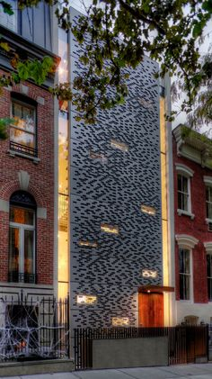 Urban Townhouse, GLUCK, New York, Aluminum Rainscreen, Exterior, Photo Erik Freeland, Arch Daily