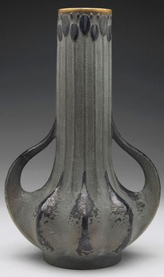 Amphora vase, designed by Paul Dachsel. Picture in House of Amphora, by Richard Scott.