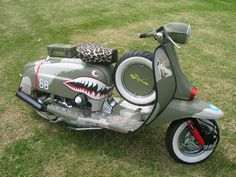 WW II  Lambretta - Ok so it's a Lammy, but this is something like what I had planned for my vespa.