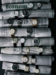 Watches. Clever. Reusing. Table display.