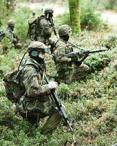 Otro sábado entrenando con los muchachos.  . Foto from @specialforces_ger -  Jägerbataillon 292 . #germany #german #army #bundeswehr #specialforces #g36 #infantery #infantesrist #war #tactical #soldat #soldier #vaterland #jäger #jägerbataillon #respect #our #troops  Quelle: PhotoBW.info . #regrann #warriors #guerreros #wild #insta #instagram