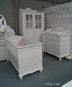 Landelijke babykamer met ornamenten... www.aukgaaf.com
