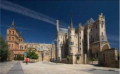 Catedral y Palacio Episcopal en Astorga