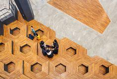 Honeybee Lounge / poly.m.ur