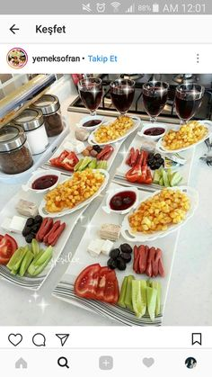 Breakfast Presentation, Food Presentation, Fingerfood Party, Catering, Food Platters, Food Decoration, Cafe Food, Partys, Turkish Recipes