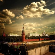 Russia    Kremlin. Moscow, Russia. (Image source: InObrAS)