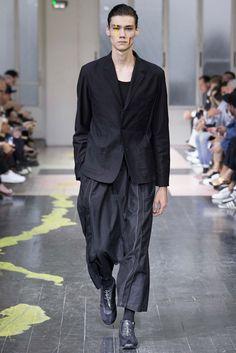 Yohji Yamamoto Spring 2016 Menswear Fashion Show