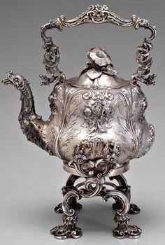 Vintage Silver Tea Pot (♡)