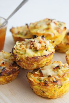 Vegetable, Ham and Noodle Cups - Best finger food list Mini Pie Recipes, Quiche Recipes, Baby Food Recipes, Great Recipes, Cooking Recipes, Veggie Snacks, Savory Snacks, Healthy Snacks, Healthy Mummy