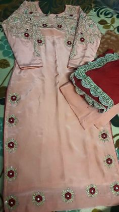 ban k red Designer Punjabi Suits, Punjabi Salwar Suits, Indian Designer Outfits, Patiala, Shalwar Kameez, Embroidery Suits Punjabi, Embroidery Suits Design, Embroidery Fashion, Hand Embroidery