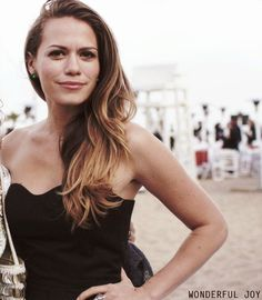 Bethany Joy Lenz has such gorgeous hair