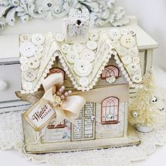Melissa Phillips makes the cutest little houses