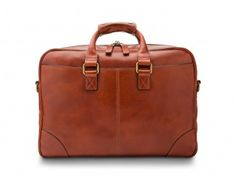 With our men's leather messenger bags, experience true Italian beauty and quality. These options are ready to go wherever life leads in style. Mens Luggage, Leather Duffle Bag, Elegant Man, Garment Bags, Messenger Bag Men, Computer Bags, Vegetable Tanned Leather, Briefcase, Italian Leather