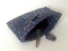 Schlüsseltasche (anthrazit / metallic) mit Ring und Knopfverschluss