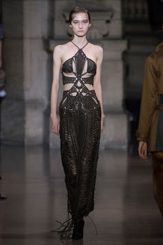 Yiqing Yin Spring 2016 Couture Collection Photos - Vogue