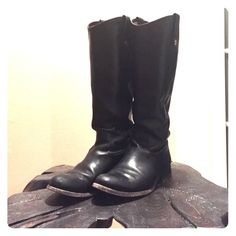 Frye Melissa Button - Black riding boots Worn 1 season. Very good pre-owned condition. Leather is treated with Frye leather conditioning cream. No scuffs on the leather. Classic Melissa Button -  western-inspired riding boot is timeless and comfortable! Frye Shoes