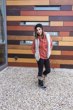 Here are 3 Sherpa Vest outfit ideas - Sherpa vests and Sherpa Pull overs are all the rage - so here are 3 ways to style a Sherpa Vest // Hey There, Chelsie #vestsoutfits