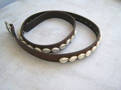 Boho Cowrie Leather Belt, Vintage Brown Narrow Woman Belt size M L, Ethnic Tribal Bohemian Fashion, Beach Festival clothing Accessories by MeshuMaSH on Etsy