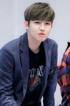 46 super ideas memes kpop wanna one K Pop, Jaehwan Wanna One, Aesthetic Memes, Produce 101 Season 2, Ong Seongwoo, Boyfriend Pictures, Kim Jaehwan, Ha Sungwoon, Getting Back Together