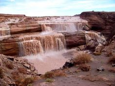 The Grand Falls are only 32 miles (52 km) from Arizona Highway 89A in Flagstaff.  All but 8.5 miles (14 km) of the trip is made on excellent, paved roads.