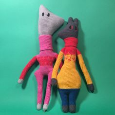 I think Shirl is probably missing some kind of dandy flat cap - but it's late now and I'm already planning another doll in my head T Bo, Kawaii Crochet, Flat Cap, Doll Maker, Girl Gang, Dandy, Dinosaur Stuffed Animal, Dolls, Photo And Video