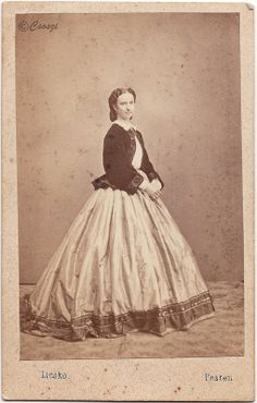Civil War Fashion, Timeless Beauty, Hungary, Austria, 19th Century, Vintage Ladies, The Past, Vintage Fashion, Silhouette