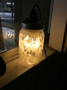 @Dixie Butterfield  Mason Jar Lamp