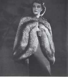 Fur Clothing: One of the Oldest Fashion Styles – 38 Vintage Photos of Women in Fur Coats Vintage Fur, Vintage Black, Vintage Photos, Retro Vintage, Vintage Outfits, Vintage Fashion, 1930s Fashion, Old Fashioned Photos, Fur Coat Fashion