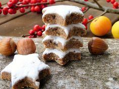 Authentic Zimtsterne (German Cinnamon Star Cookies) - The Daring Gourmet. These cookies are amazing. German Christmas Cookies, Holiday Cookies, German Cookies, Christmas Cupcakes, Christmas Eve, Low Carb Cookies, Meringue Icing, Star Cookie Cutter, Kitchens