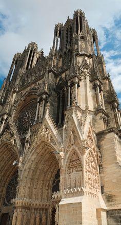 Découvrir la Cathedral de Notre-Dame de Reims, site classé à l'UNESCO