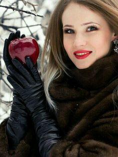 One lucky apple!