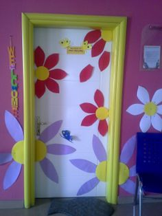 Projects to try class decoration, projects, deco. Decoration Creche, Class Decoration, School Decorations, Spring Art Projects, Spring Crafts, Projects To Try, Diys Room Decor, Diy And Crafts, Crafts For Kids