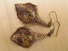 Catrina jewels: Earrings designer Ella Des