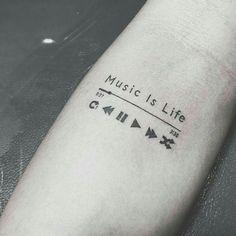 50 Adorable Music Tattoos For Men And Women – Conny Martin – Best Tat … - diy tattoo images Diy Tattoo, Tattoo Life, Tattoos About Life, Trendy Tattoos, Popular Tattoos, Tattoos For Women, Tatoos Men, Cool Tattoos For Men, Men Back Tattoos