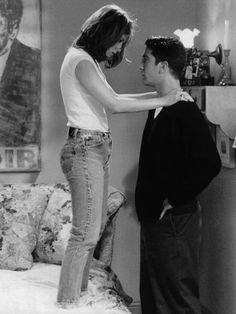 Jennifer Aniston as Rachel Green, David Schwimmer as Ross Geller Friends Tv Show, Tv: Friends, Serie Friends, Friends Cast, Friends Episodes, Friends Moments, Friends In Love, Friends Forever, Ross Et Rachel