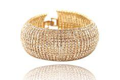 Bracelet manchette large strass  Bracelet manchette large strass Doré et argenté, Bracelet fantaisie très chic et glamour. http://www.missgooddeal.fr/fr/strass/462-bracelet-manchette-large-strass.html