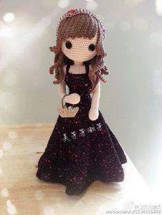 Amigurumi doll in a party dress. Crochet Doll Clothes, Knitted Dolls, Crochet Dolls, Yarn Dolls, Amigurumi Doll, Amigurumi Patterns, Doll Patterns, Crochet Gifts, Cute Crochet