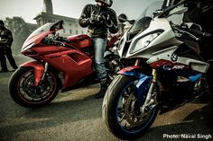 Even fanboys should just pause and admire the view sometimes. Ducati 848, Bike Bmw, Bmw S1000rr, Sportbikes, Classic Bikes, Super Sport, Custom Motorcycles, Amazing Cars, Motorbikes