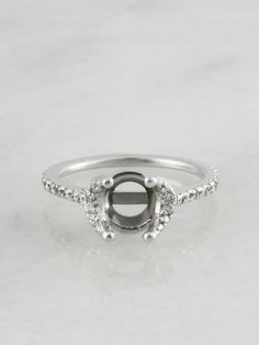 Vaska Platinum Engagement Ring