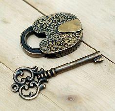 Antique+Flowers+Carved+PADLOCK+with+BIG+SKELETON+Keys+Solid+Brass+Vintage+Lock